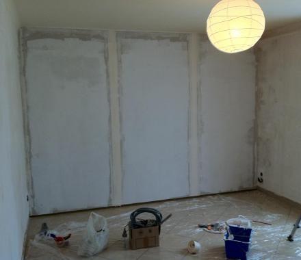 16 - Ensuir les murs avec un enduit de lissage                                                                                                                                                                                 Plus