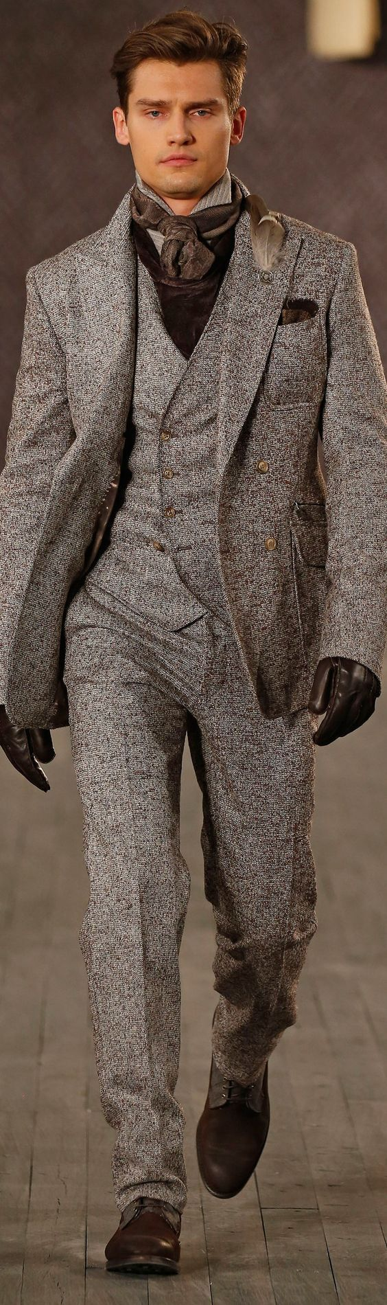Joseph Abboud Fall 2016 , Fashion show details