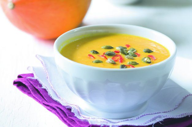 Dokonale jemný krém je podle nás ten nejlepší způsob, jak si vychutnat dýni. Hvězdná polévka rozzáří každý pošmourný den babího léta.