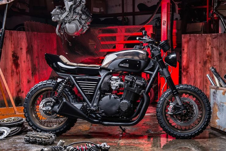 Bomboogie Suzuki GSX1100 ~ Return of the Cafe Racers