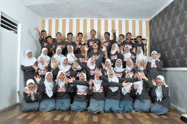 Deluxe'2 (D'evolusion of Excat Generation 2)