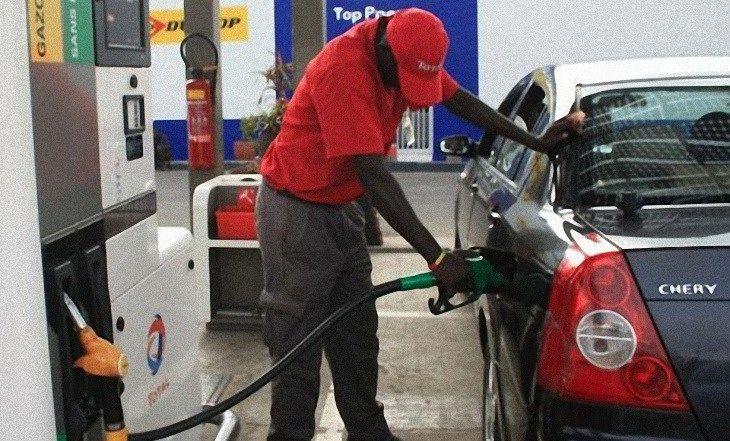 Cameroun - Baisse des prix du carburant: Tout le monde ne s'arrime pas  - http://www.camerpost.com/cameroun-baisse-des-prix-du-carburant-tout-le-monde-ne-sarrime-pas/?utm_source=PN&utm_medium=CAMER+POST&utm_campaign=SNAP%2Bfrom%2BCAMERPOST