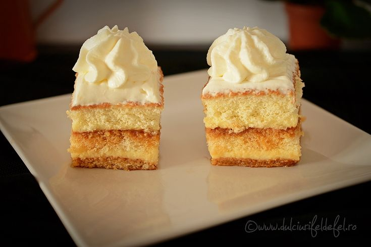 Mod de preparare Prajitura cu crema de vanilie si caramel: Blat: Albusurile le batem spuma tare cu un praf de sare. Adaugam zaharul treptat si mixam in