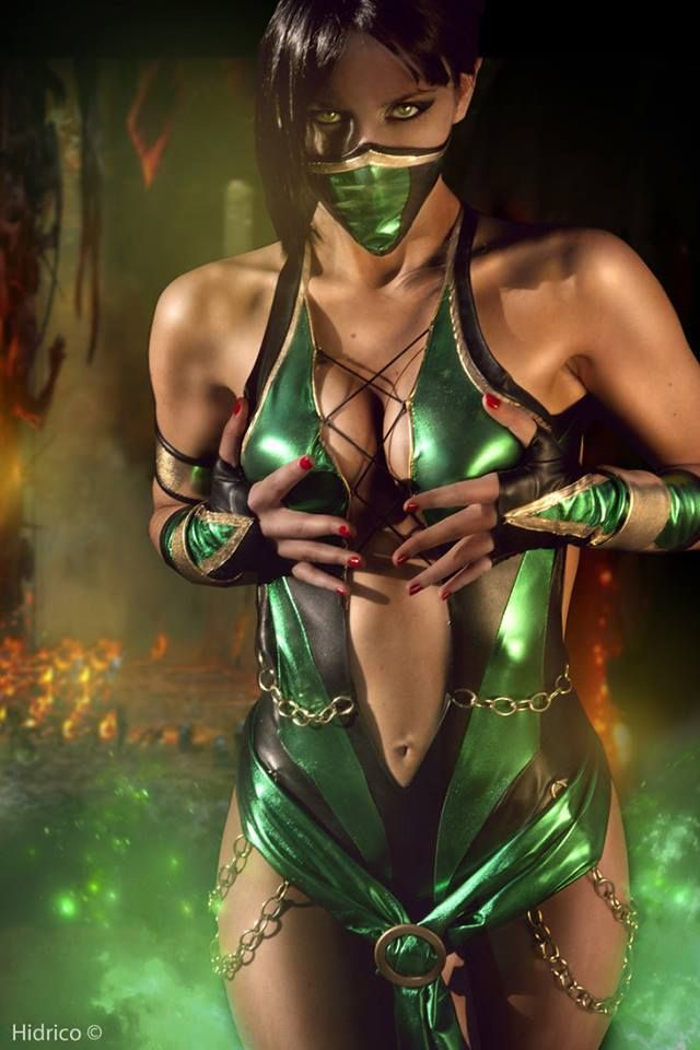 Jade, Mortal Kombat. ^^^ uhm should i ask what she is doing with her hands...? No? Good choice.