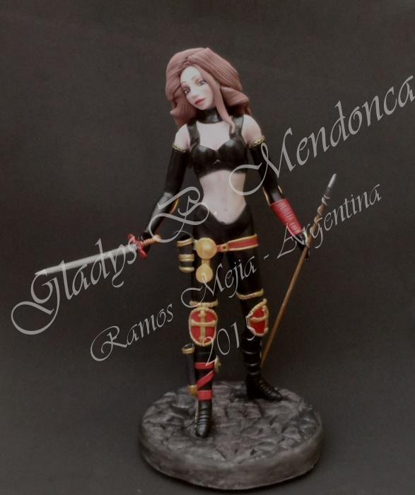 Gladys Mendonca personaje Magdalena de 30cm de alto modelado en porcelana fria