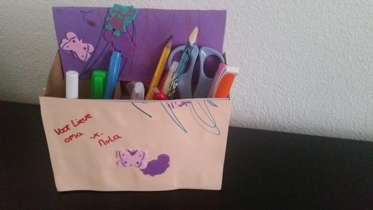 2-16-knutselen-knutselwerkje-baby-1-jaar-pennenbakje-benodigdheden-stickers-alle-leeftijden-basisschool-nanny-gastouder-moederdag-vaderdag-af