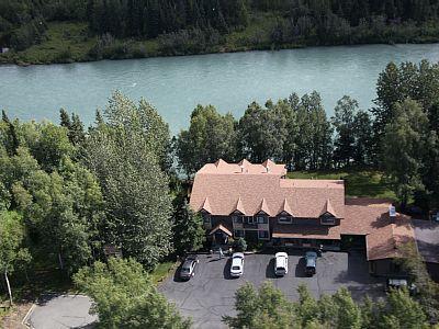 Alaska anyone? maybe some other time. Seems too good to be true lol  VRBO.com #587346 - Alaska Fishing Lodge Soldotna B&B Charters 300ft Directly on the Kenai River