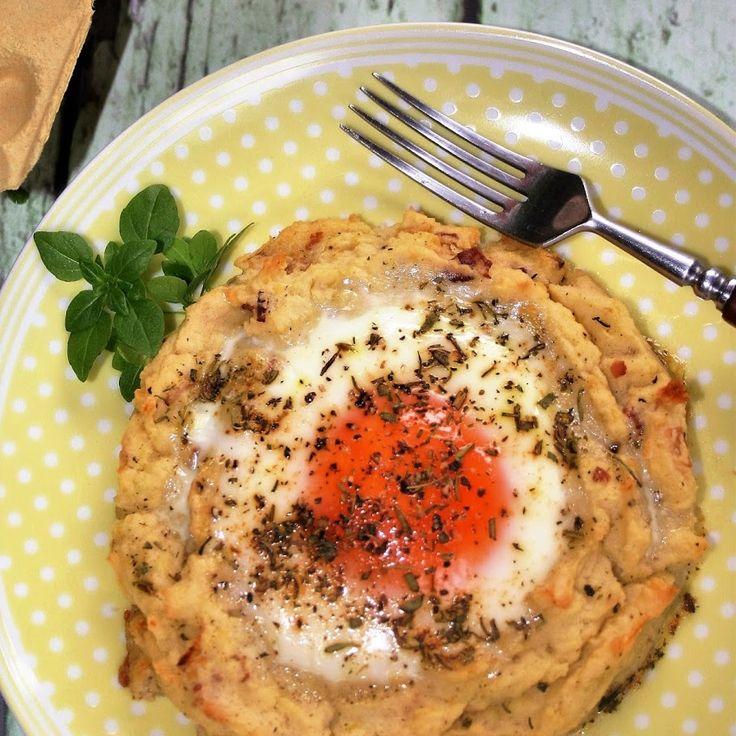 Gniazdka ziemniaczane z jajkiem