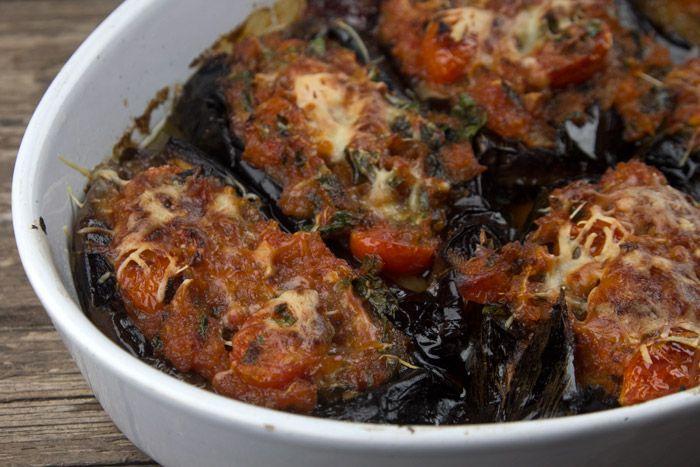 Ιμάμ Μπαϊλντί... Το πιο καλοκαιρινό 'λαδερό' της παραδοσιακής κουζίνας μας. Μια υπέροχη, Σμυρνέικη συνταγή για ένα πεντανόστιμο πιάτο, μεσογειακό και εξόχω