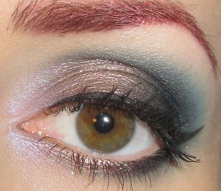 Glitter is my crack...: Taupe and Teal Eye Makeup Look