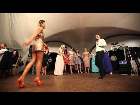 Страшные танцы на свадьбе Terrible dancing at the wedding - YouTube