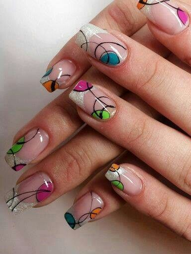 Circular abstract nail art
