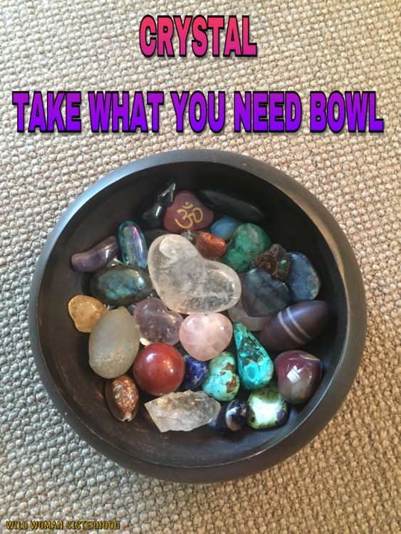 Crystal Take What You Need Bowl. The perfect ice breaker for your next Full Moon or Red Tent Gathering. Use a nice wooden bowl (wood represents the Earth elementally) and stock it with a variety of palm sized crystals. I think crystal hearts are a lovely idea. I stocked this bowl with the following : Coral, Shell, Geodes with handwritten messages on them eg. Nature, Temple, Healing, Sacred, Lapis Lazuli, Azurite, Chrysocolla, Clear Quartz, Rose Quartz, Amethyst, Shiva Lingham Egg, Citrine…
