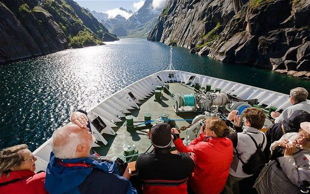 Hurtigruten cruise: Northern Lights in Norway