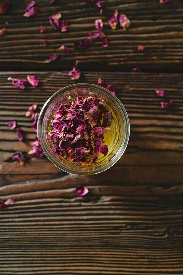 DIY Rose Petal Infused Honey Rose Petals Honey And Food