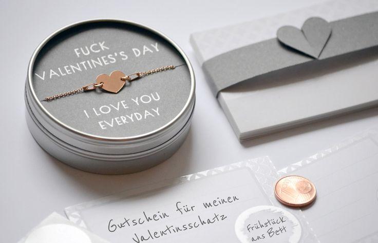 Hübsches Armband aus Sterlingsilber. Ideales Geschenk zum Valentinstag. Gefunden bei Etsy.