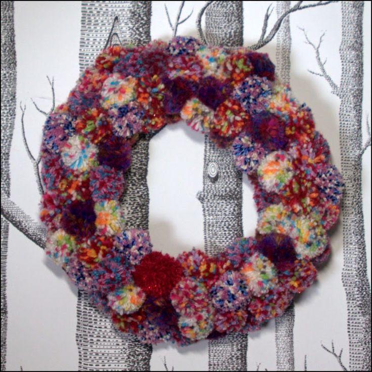 turhaa touhua: Joulukranssi tupsuista - Pom Pom wreath