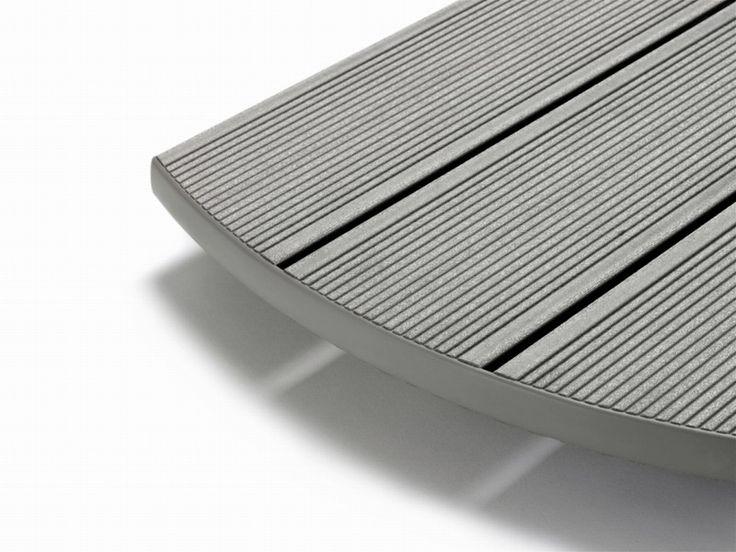 Deck terasa gri inchis Rehau Fumo Puro  Sistemul inovativ de deck terasa gri inchis Rehau Fumo Puro RELAZZO este produs din RAU-WOOD, un compozit Wood-Polymer valoros.  Deck-ul gri inchis pentru terase de la Rehau imbina avantajele esentelor de lemn indigen provenite din silvicultura regenerata cu polimeri de inalta tehnologie. #deck #decking #deckterasa #deckgri