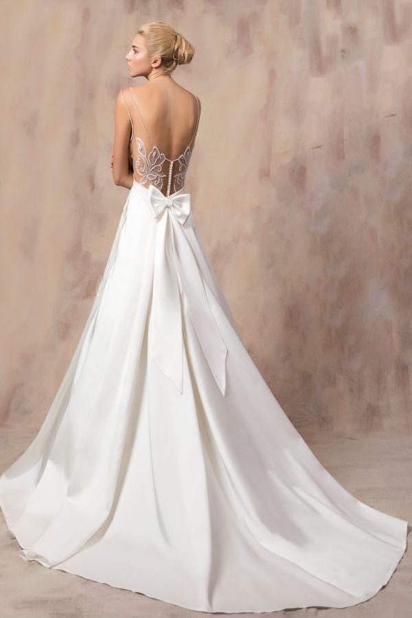 MIKA #weddinggown #celestialcollection #newbridalcollection #costantinobridal #weddingingreece