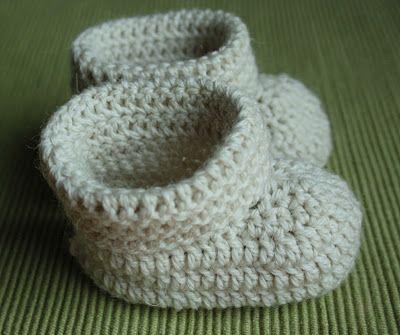http://olemisenarvoitus2.blogspot.fi/2011/11/virkatut-tossut-vauvalle.html