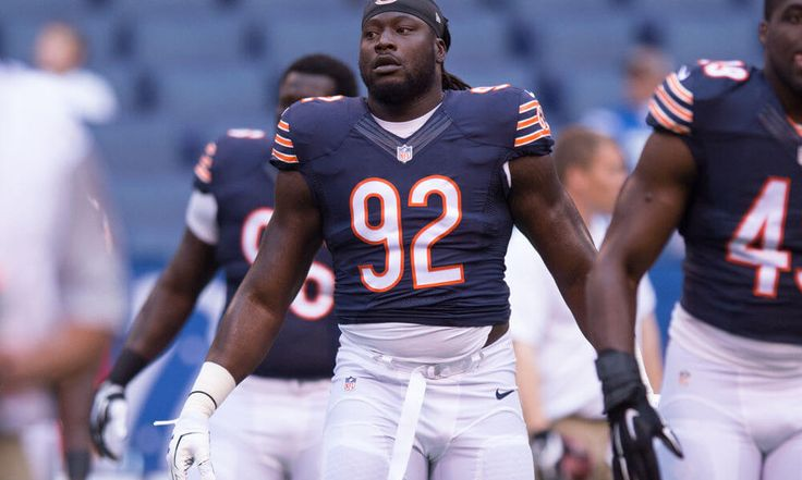 Bears OLB Pernell McPhee undergoes knee surgery = The Chicago Bears' outside linebacker depth chart is quite crowded for a rebuilding team, but that group's highest-paid cog is again struggling with a knee injury. John Fox confirmed Pernell McPhee underwent surgery on Friday to address.....