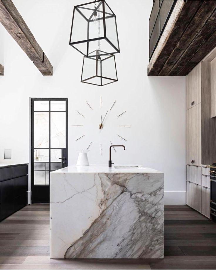 Cuisine minimaliste et élégante en marbre