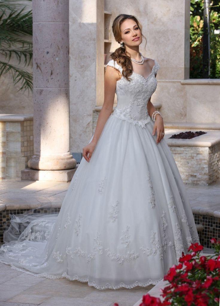 241 melhores imagens de Wedding Dresses no Pinterest