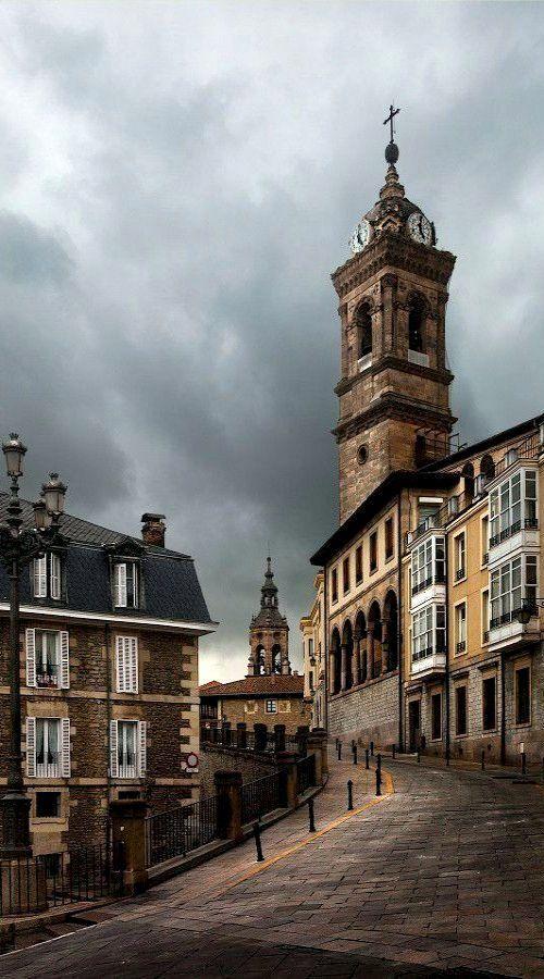Vitoria-Gasteiz, Álava, Spain | by Iñaki Gomez ~~ For more:  - ✯ http://www.pinterest.com/PinFantasy/viajes-espa%C3%B1a-en-im%C3%A1genes/