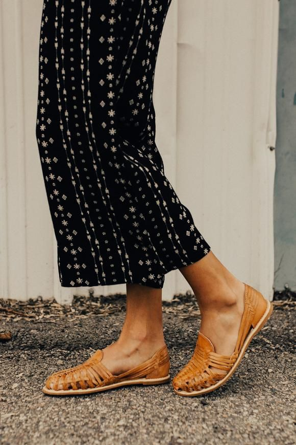 95886a199427 paloma-woven-flats | Things to wear in 2019 | Fashion, Sandals ...