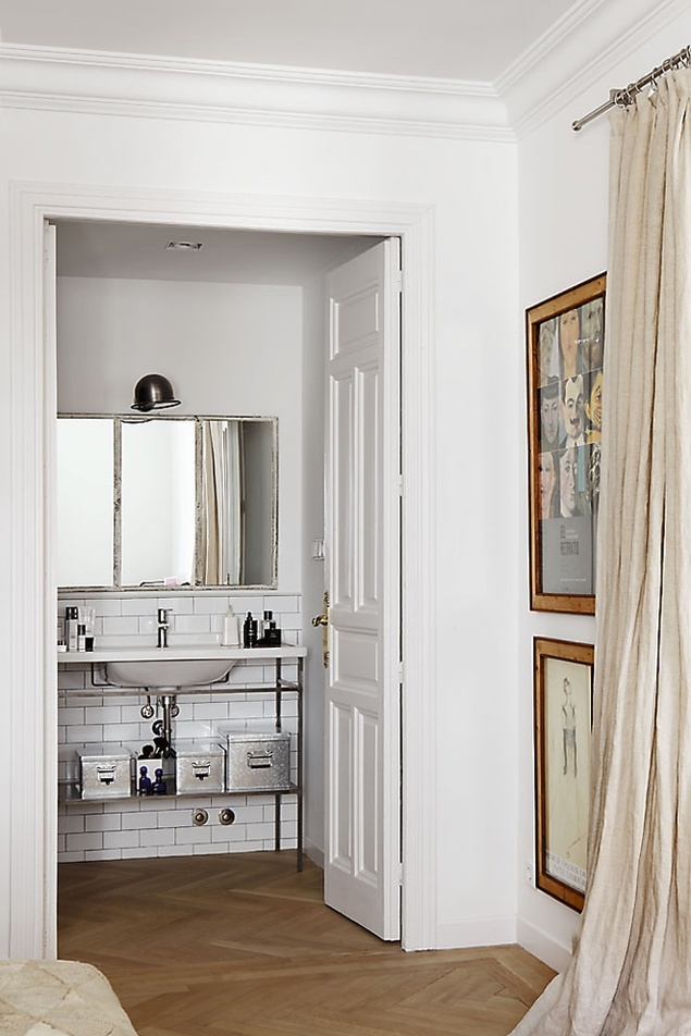 Bedroom and en suite bath of Chanel's Diana Fenouil
