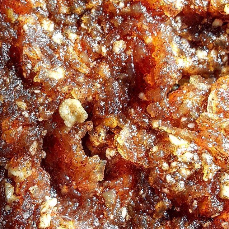 Kısık ateşte şeker kullanmadan karamelize edin nefis bir tat ve sağlıklı.Malzemerinizi organik olduğuna güvendiğiniz bir yerden temin edin denemek isterseniz  #günaydın #elma #elmapekmezi #ceviz #tarçın #kahvaltı #sağlık #enerji #doğal #organik #pratik #lezzet #afiyetolsun  by ozanozlem
