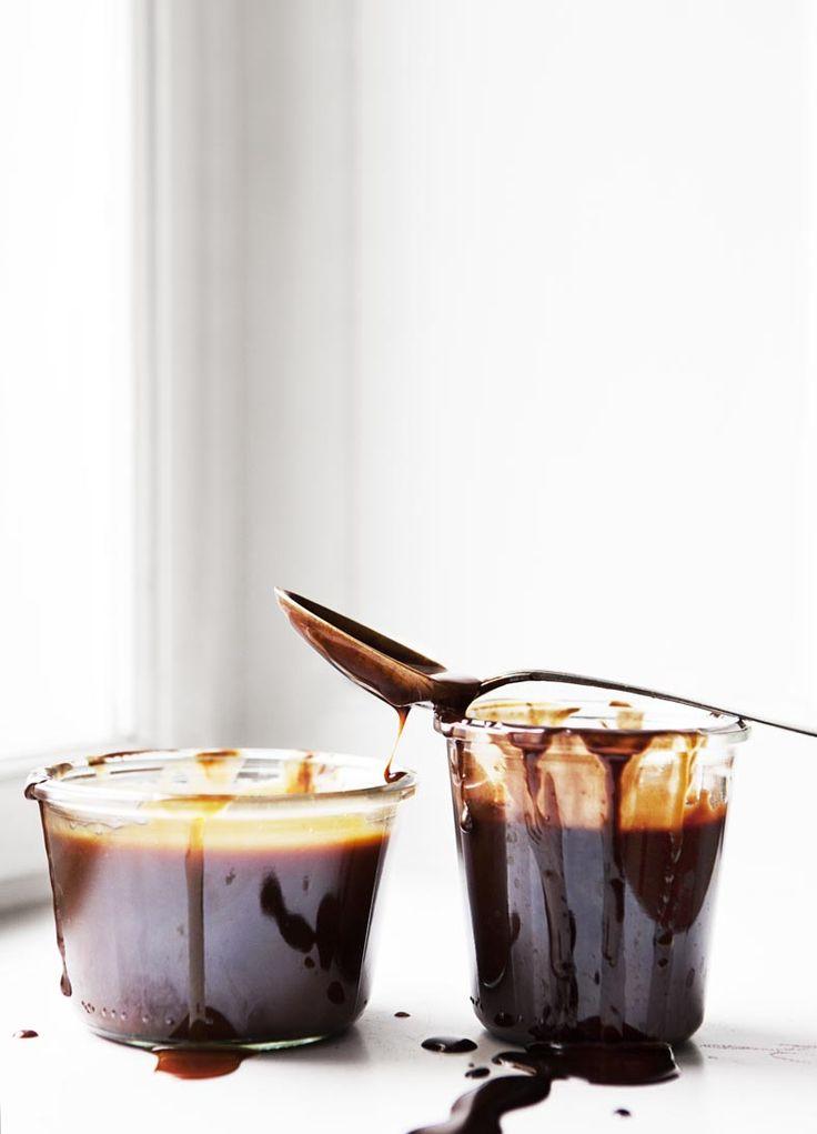 gooey caramel / Line Thit Klein