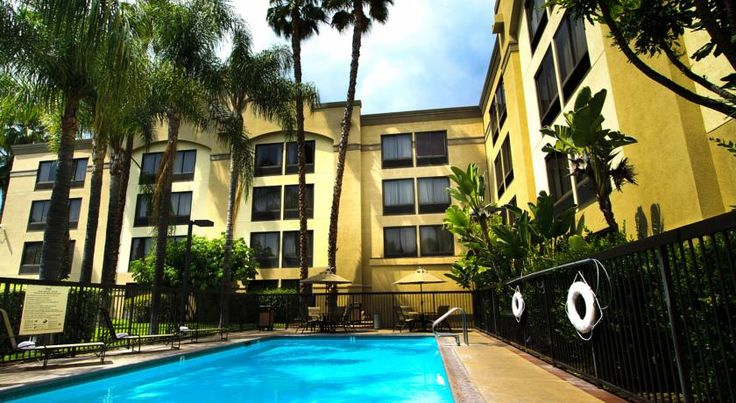 Hampton Inn Los Angeles/Arcadia Arcadia Conveniently situated off Interstate 210, this Arcadia hotel is an ideal location for exploring area attractions and offers comfortable accommodations and thoughtful amenities along with friendly service.
