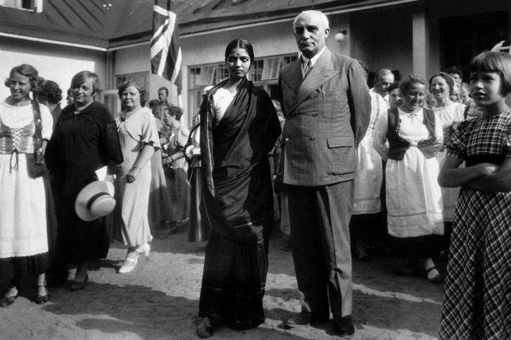 Arundale & Rukmini Devi at Kauniainen, Finland (1930).