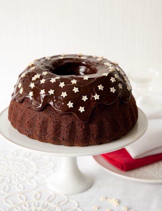 Easter is coming! Celebrate with this spiced chocolate cake with chocolate icing