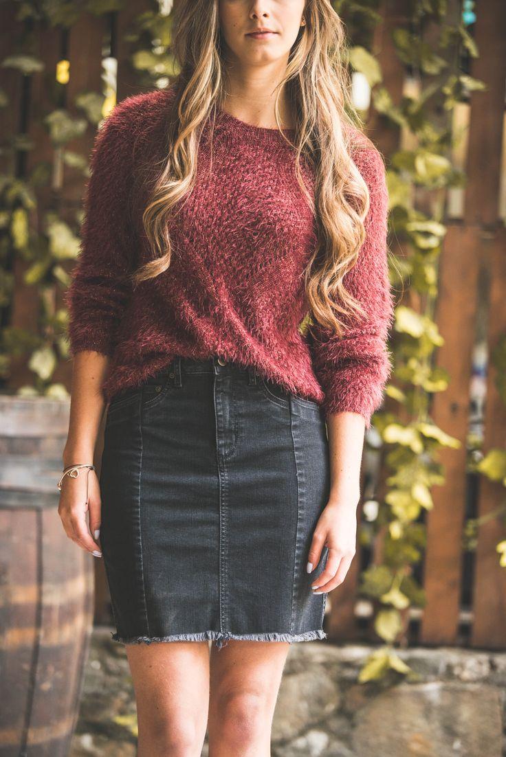 Knits + Skirts : NAF NAF LATAM / Street Style // Tejido + Falda en denim