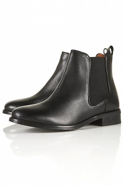 APRIL Classic Chelsea Boots by Topshop