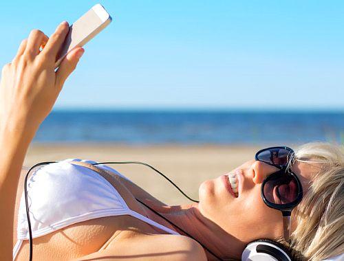 Telefon wodoodporny, wodoodporny smartfon - przegląd, smartfon na plażę