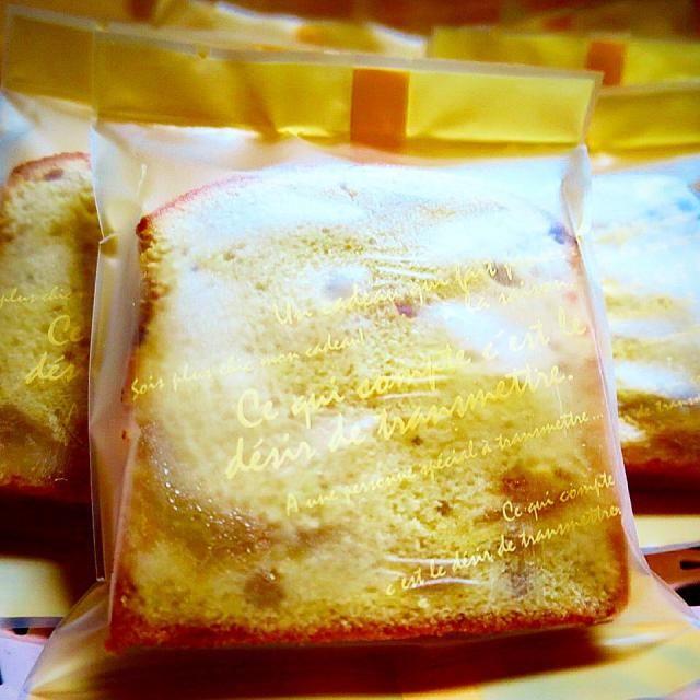 写真撮るの忘れて、ラッピングしちゃった - 6件のもぐもぐ - キャラメルアップルパウンドケーキ by micireko
