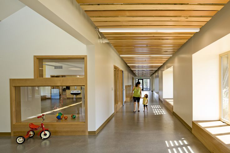 Gallery of Mt. Hood Community College Early Childhood Center / Mahlum - 3 NOTICE THE CHILD HEIGHT WINDOWS BETWEEN INTERIOR SPACES.