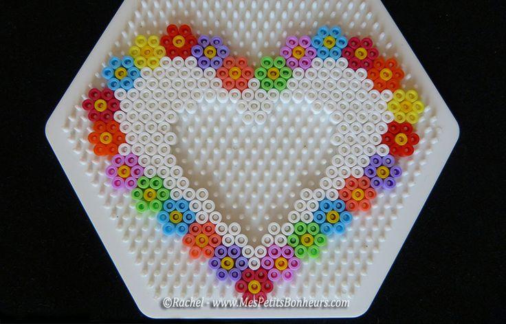 Modele cadre photo coeur en perles a repasser hama pearls pinterest photos cadre photo - Modeles perles a repasser ...