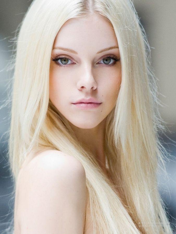 Platinum Blonde Hair Color Best Hair Color For Brown Green Eyes