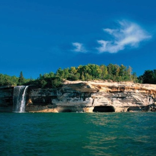 "michigans beautiful upper peninsula She and other upper peninsula experts gave us their tips for heading  ""and  once you have that experience, you pretty much become hooked."