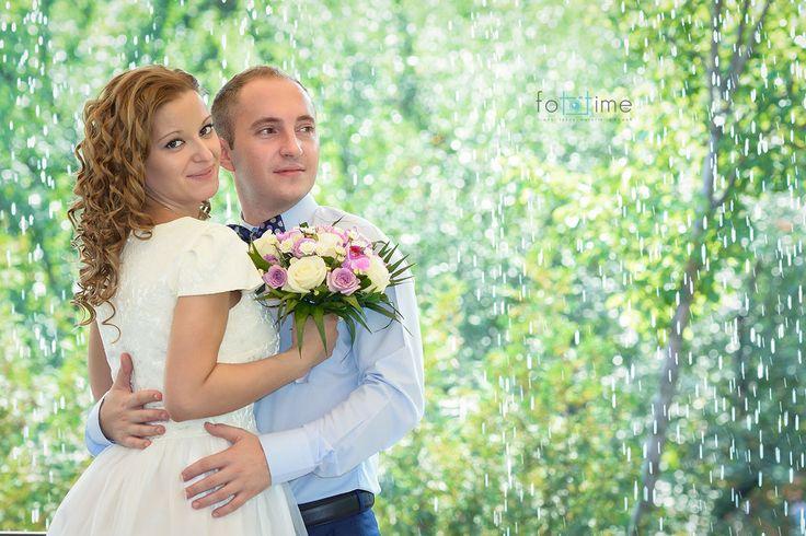 """De ce este importanta sedinta foto de logodna? In ultimul timp tot mai multi fotografi si tot mai multe cupluri cer""""sedinta foto de logodna"""", o idee ..."""