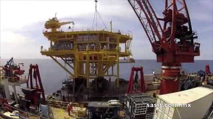 Instalación de una plataforma petrolera marina