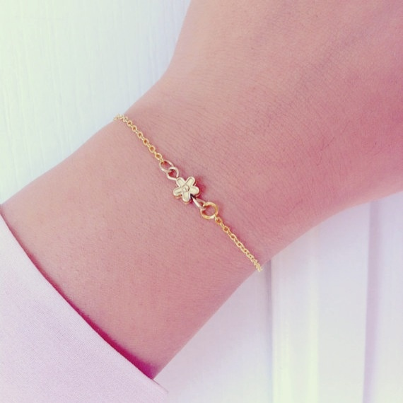 www.amourose.etsy.com Flower bracelet in gold