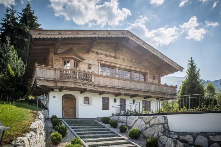 Landhaus in Ellmau mit unverbaubarem Blick auf den Wilden Kaiser und in Skipisten-Nähe - Ellmau – Cum Laude Immobilia – Kitzbühel