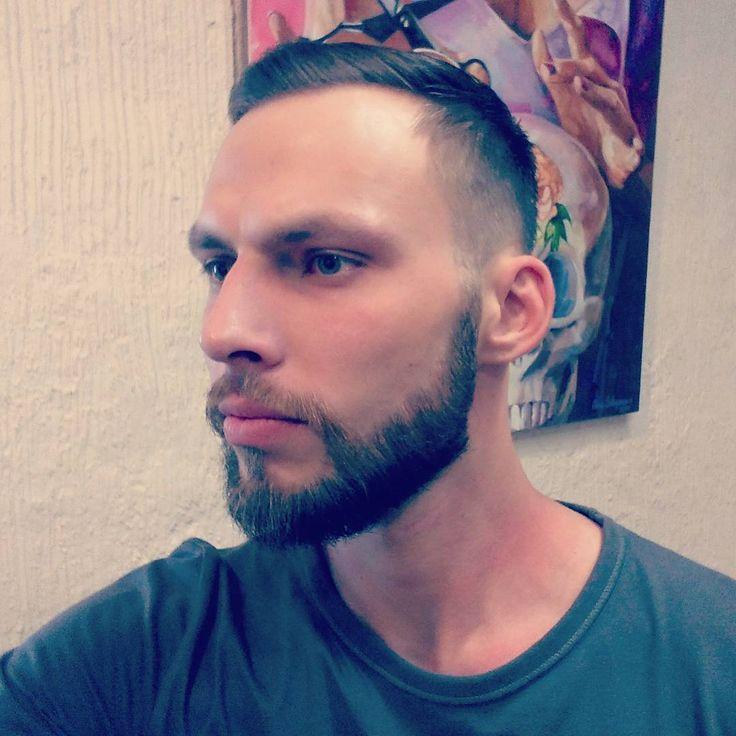 Работа мастера Саши Савиновой,  ведущего мужского мастера салонов I Amsterdam. #мужскаястрижкаспб #iamsterdamspb #barberspb #салонкрасотыпитер