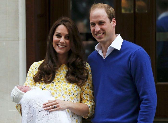 Toto je malá princezná: Kate s dcérkou už opustili pôrodnicu - Najmama.sk
