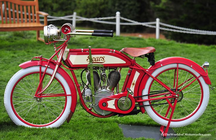 1912 Sears De Luxe Dreadnaught Twin Built for Sears Roebuck and Company by Excelsior Motor Mfg. and Supply Co. 70 cubic inch v-twin cylinder 9 hp engine